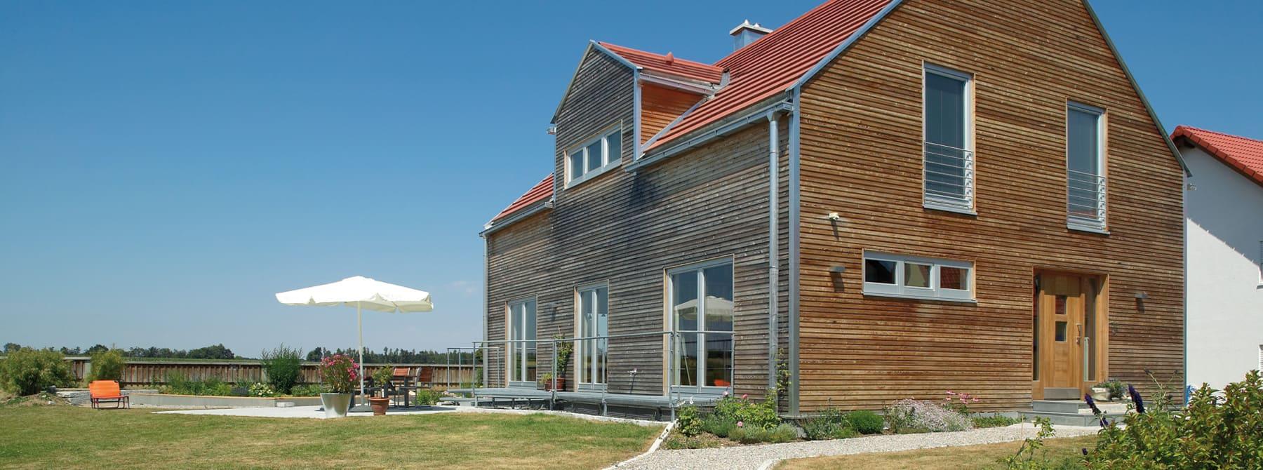 junges wohnen bauen sie ihr holzhaus passivhaus plusenergiehaus mit sonnleitner. Black Bedroom Furniture Sets. Home Design Ideas